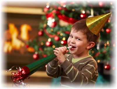 Прикольно вручить подарки на новый год