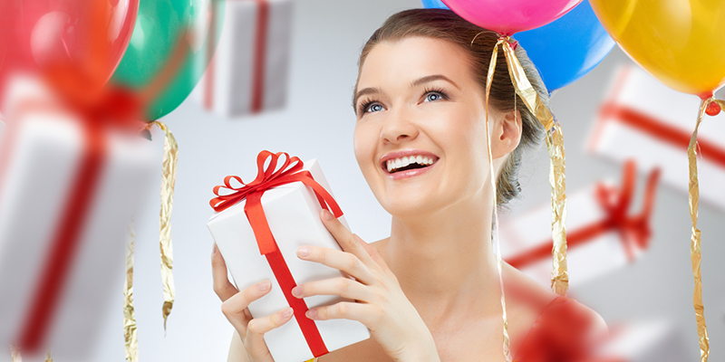 Топ подарков для девушек на день рождения